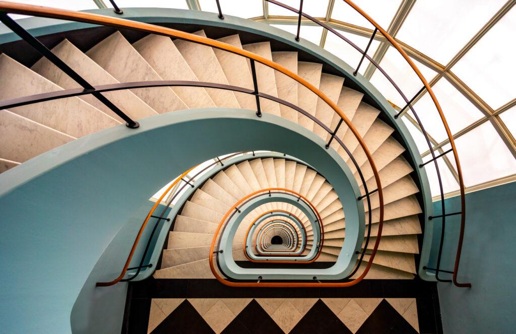 Spiral Stairs in pastel kleuren
